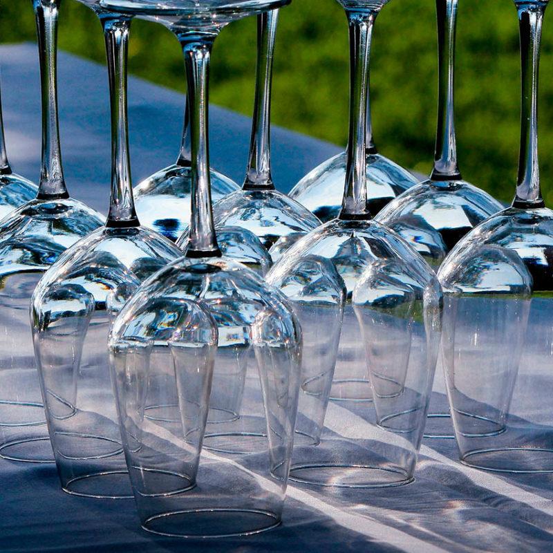 geschirr_verleih__0001_wine-glasses-176991_1920